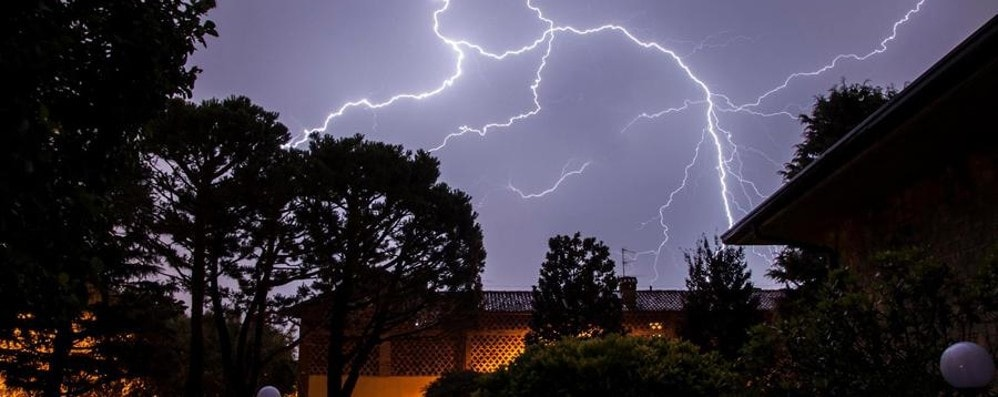 Fulmini e saette sulla Lombardia e si superano 1.2 Gbps di traffico